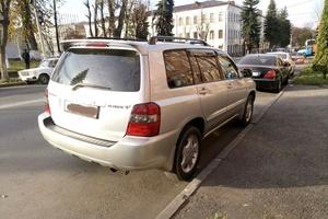 Автомобиль Toyota Kluger, отличное состояние, 2005 года выпуска, цена 400 000 руб., республика Северная Осетия - Алания