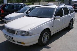 Автомобиль Volvo V70, хорошее состояние, 1999 года выпуска, цена 230 000 руб., Новосибирск