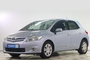 Авто Toyota Auris, 2012 года выпуска, цена 611 000 руб., Москва