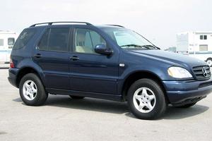 Автомобиль Mercedes-Benz M-Класс, отличное состояние, 2000 года выпуска, цена 650 000 руб., Магнитогорск