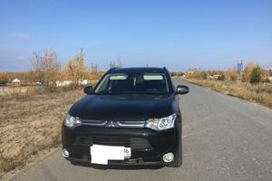 Подержанный автомобиль Mitsubishi Outlander, отличное состояние, 2013 года выпуска, цена 1 300 000 руб., Нижневартовск