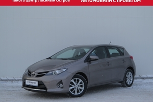 Авто Toyota Auris, 2013 года выпуска, цена 825 000 руб., Москва