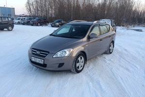 Подержанный автомобиль Kia Cee'd, хорошее состояние, 2008 года выпуска, цена 415 000 руб., Нефтеюганск