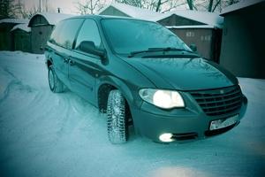 Автомобиль Chrysler Grand Voyager, хорошее состояние, 2006 года выпуска, цена 350 000 руб., Москва