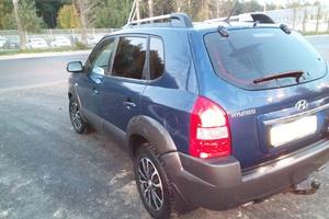 Автомобиль Hyundai Tucson, среднее состояние, 2008 года выпуска, цена 400 000 руб., Ханты-Мансийск