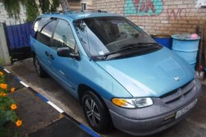 Автомобиль Dodge Caravan, среднее состояние, 1999 года выпуска, цена 210 000 руб., Челябинск