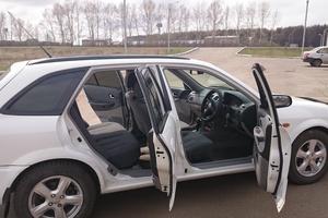 Автомобиль Mazda Familia, хорошее состояние, 2003 года выпуска, цена 190 000 руб., Красноярск