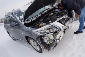 Подержанный автомобиль Nissan Pathfinder, битый состояние, 2015 года выпуска, цена 1 300 000 руб., Нягань