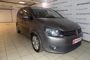 Авто Volkswagen Touran, 2010 года выпуска, цена 710 000 руб., Москва