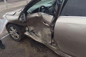 Автомобиль Renault Latitude, битый состояние, 2010 года выпуска, цена 330 000 руб., Курск