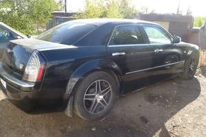 Автомобиль Chrysler 300C, хорошее состояние, 2007 года выпуска, цена 550 000 руб., Магнитогорск