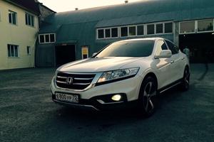 Автомобиль Honda Crosstour, отличное состояние, 2013 года выпуска, цена 1 350 000 руб., Тюмень