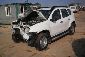 Подержанный автомобиль Renault Duster, битый состояние, 2015 года выпуска, цена 250 000 руб., Московская область