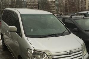 Автомобиль Toyota Noah, хорошее состояние, 2003 года выпуска, цена 430 000 руб., Санкт-Петербург