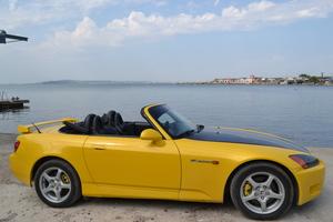 Автомобиль Honda S2000, отличное состояние, 2002 года выпуска, цена 1 000 000 руб., Судак