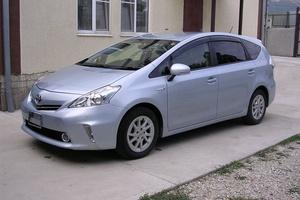 Автомобиль Toyota Prius a, отличное состояние, 2012 года выпуска, цена 940 000 руб., Новороссийск