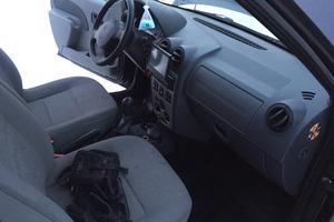 Подержанный автомобиль Renault Logan, хорошее состояние, 2009 года выпуска, цена 250 000 руб., Челябинская область
