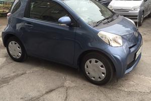 Автомобиль Toyota iQ, отличное состояние, 2010 года выпуска, цена 410 000 руб., Владивосток