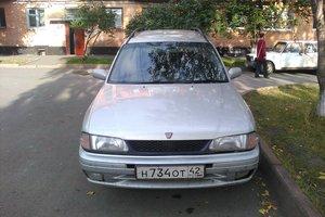 Автомобиль Nissan Wingroad, среднее состояние, 1998 года выпуска, цена 120 000 руб., Кемерово