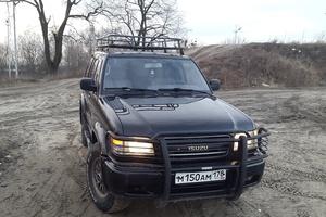 Автомобиль Isuzu Trooper, среднее состояние, 2000 года выпуска, цена 350 000 руб., Калининград
