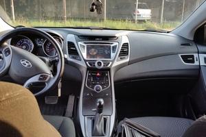 Подержанный автомобиль Hyundai Elantra, отличное состояние, 2015 года выпуска, цена 930 000 руб., Вязьма