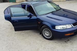 Автомобиль Isuzu Gemini, отличное состояние, 1999 года выпуска, цена 160 000 руб., Балаково