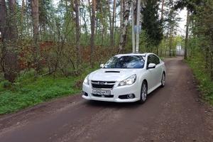Автомобиль Subaru Legacy, хорошее состояние, 2012 года выпуска, цена 1 200 000 руб., Сургут
