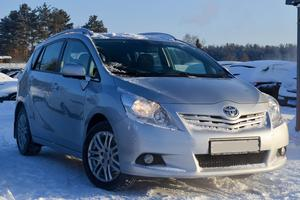 Авто Toyota Verso, 2010 года выпуска, цена 745 000 руб., Екатеринбург
