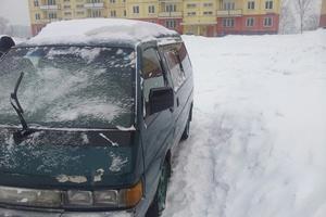 Автомобиль Nissan Largo, среднее состояние, 1992 года выпуска, цена 85 000 руб., Кемерово