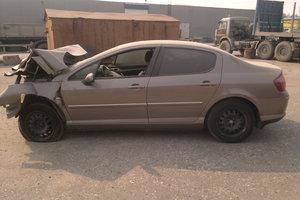 Автомобиль Peugeot 407, битый состояние, 2007 года выпуска, цена 130 000 руб., Нижневартовск