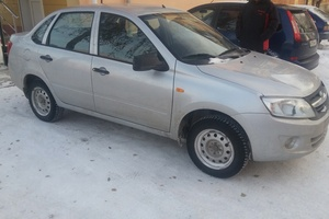 Подержанный автомобиль ВАЗ (Lada) Granta, отличное состояние, 2013 года выпуска, цена 290 000 руб., Челябинск