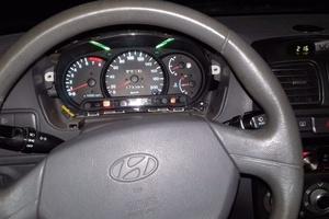 Автомобиль Hyundai Accent, битый состояние, 2005 года выпуска, цена 120 000 руб., Челябинск