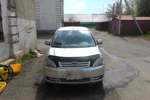Автомобиль Toyota Avensis Verso, хорошее состояние, 2001 года выпуска, цена 380 000 руб., Кемерово