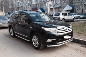 Автомобиль Toyota Highlander, отличное состояние, 2013 года выпуска, цена 1 880 000 руб., Нижневартовск