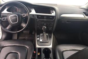 Подержанный автомобиль Audi A4, хорошее состояние, 2011 года выпуска, цена 820 000 руб., Магнитогорск