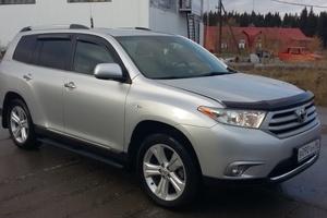 Автомобиль Toyota Highlander, отличное состояние, 2011 года выпуска, цена 1 550 000 руб., Ханты-Мансийск