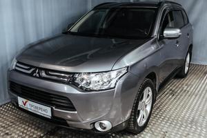 Авто Mitsubishi Outlander, 2012 года выпуска, цена 999 000 руб., Санкт-Петербург