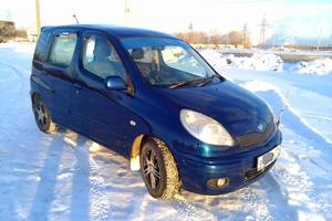 Подержанный автомобиль Toyota Fun Cargo, отличное состояние, 2004 года выпуска, цена 299 000 руб., Челябинск