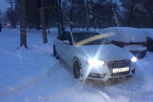 Подержанный автомобиль Audi A4, отличное состояние, 2013 года выпуска, цена 950 000 руб., Челябинская область
