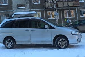 Автомобиль Nissan Liberty, хорошее состояние, 2000 года выпуска, цена 220 000 руб., Новоуральск