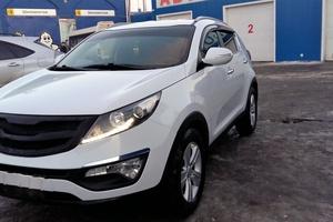 Подержанный автомобиль Kia Sportage, хорошее состояние, 2012 года выпуска, цена 800 000 руб., Ханты-Мансийск