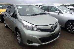 Автомобиль Toyota Vitz, отличное состояние, 2012 года выпуска, цена 485 000 руб., Челябинск