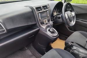 Автомобиль Toyota Ractis, отличное состояние, 2011 года выпуска, цена 575 000 руб., Комсомольск-на-Амуре