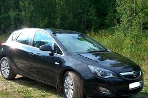 Подержанный автомобиль Opel Astra, отличное состояние, 2011 года выпуска, цена 620 000 руб., Нефтеюганск