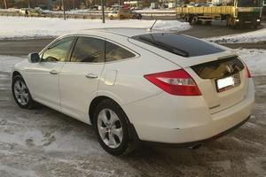 Автомобиль Honda Crosstour, хорошее состояние, 2011 года выпуска, цена 1 000 000 руб., Москва