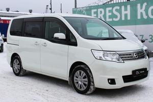 Авто Nissan Serena, 2010 года выпуска, цена 799 000 руб., Москва