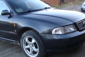 Автомобиль Audi A4, отличное состояние, 1998 года выпуска, цена 325 000 руб., Мегион