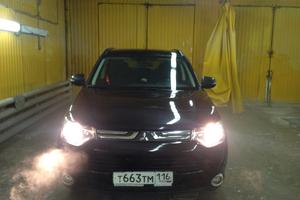 Автомобиль Mitsubishi Outlander, отличное состояние, 2013 года выпуска, цена 1 145 000 руб., Казань