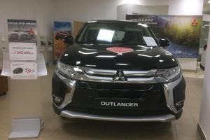 Авто Mitsubishi Outlander, 2015 года выпуска, цена 1 040 000 руб., Москва