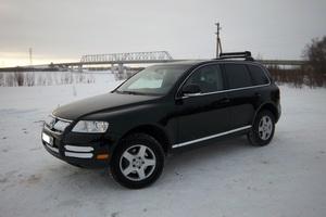 Автомобиль Volkswagen Touareg, хорошее состояние, 2005 года выпуска, цена 780 000 руб., Нефтеюганск